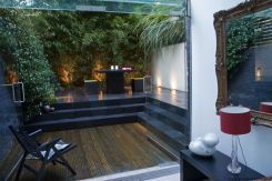 Small courtyard garden with seating area design and layout 9