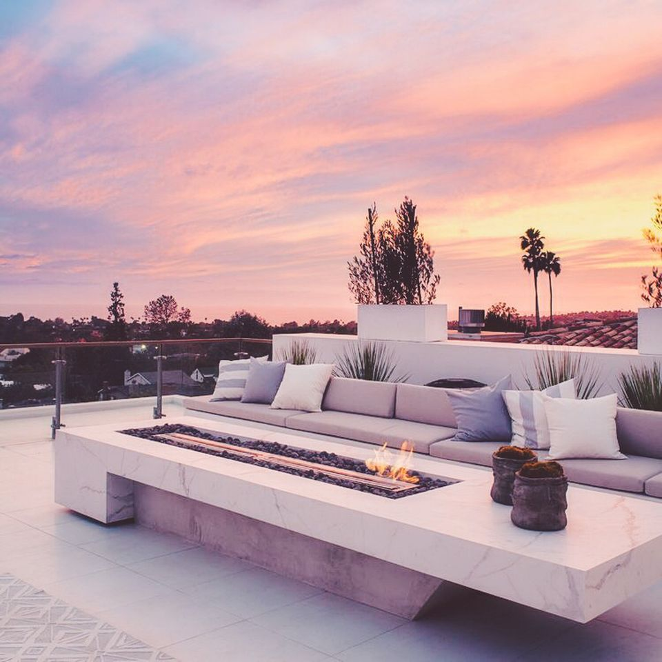 Amazing Rooftop Porch and Balcony Inspirations 14