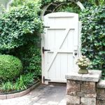 Fascinating Garden Gates and Fence Design Ideas 35
