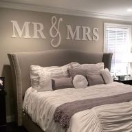 Lovely Romantic Bedroom Decorations for Couples 33
