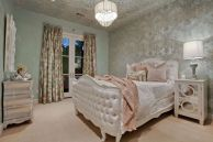 Lovely Romantic Bedroom Decorations for Couples 49