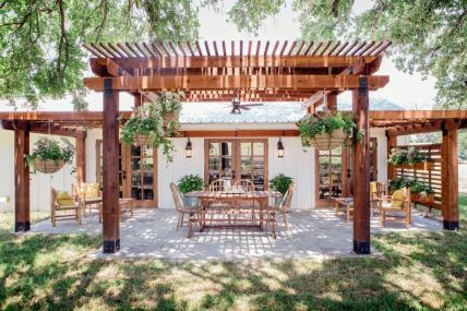 Perfect Pergola Designs for Home Patio 7