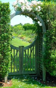 Stunning Creative DIY Garden Archway Design Ideas 19