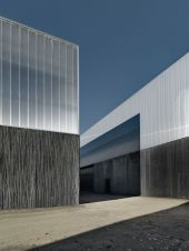 Stunning Glass Facade Building and Architecture Concept 25