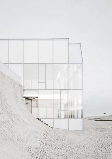 Stunning Glass Facade Building and Architecture Concept 66