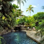 Stunning Outdoor Pool Landscaping Designs 55