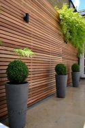 Stunning Privacy Fence Line Landscaping Ideas 30