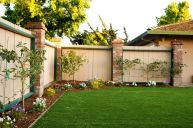 Stunning Privacy Fence Line Landscaping Ideas 84