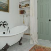 Vintage and Classic Bathroom Tile Design 32