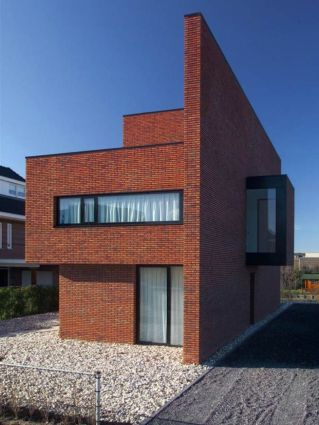 Artistic Exposed Brick Architecture Design 5
