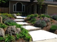 Front Yard and Garden Walkway Landscaping Inspirations 33