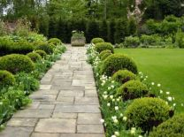 Front Yard and Garden Walkway Landscaping Inspirations 39