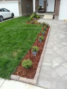 Front Yard and Garden Walkway Landscaping Inspirations 49