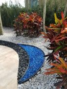 Modern and Contemporary Front Yard Landscaping Ideas 84