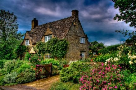 Wonderful European Cottage Exterior Design 114
