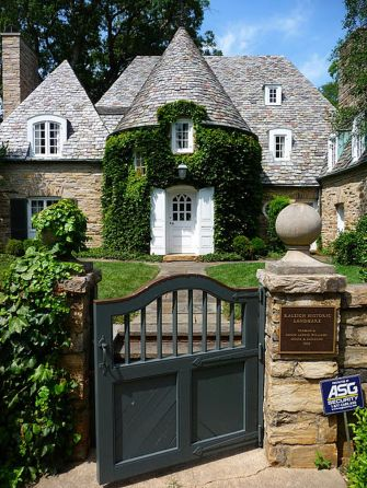 Wonderful European Cottage Exterior Design 12