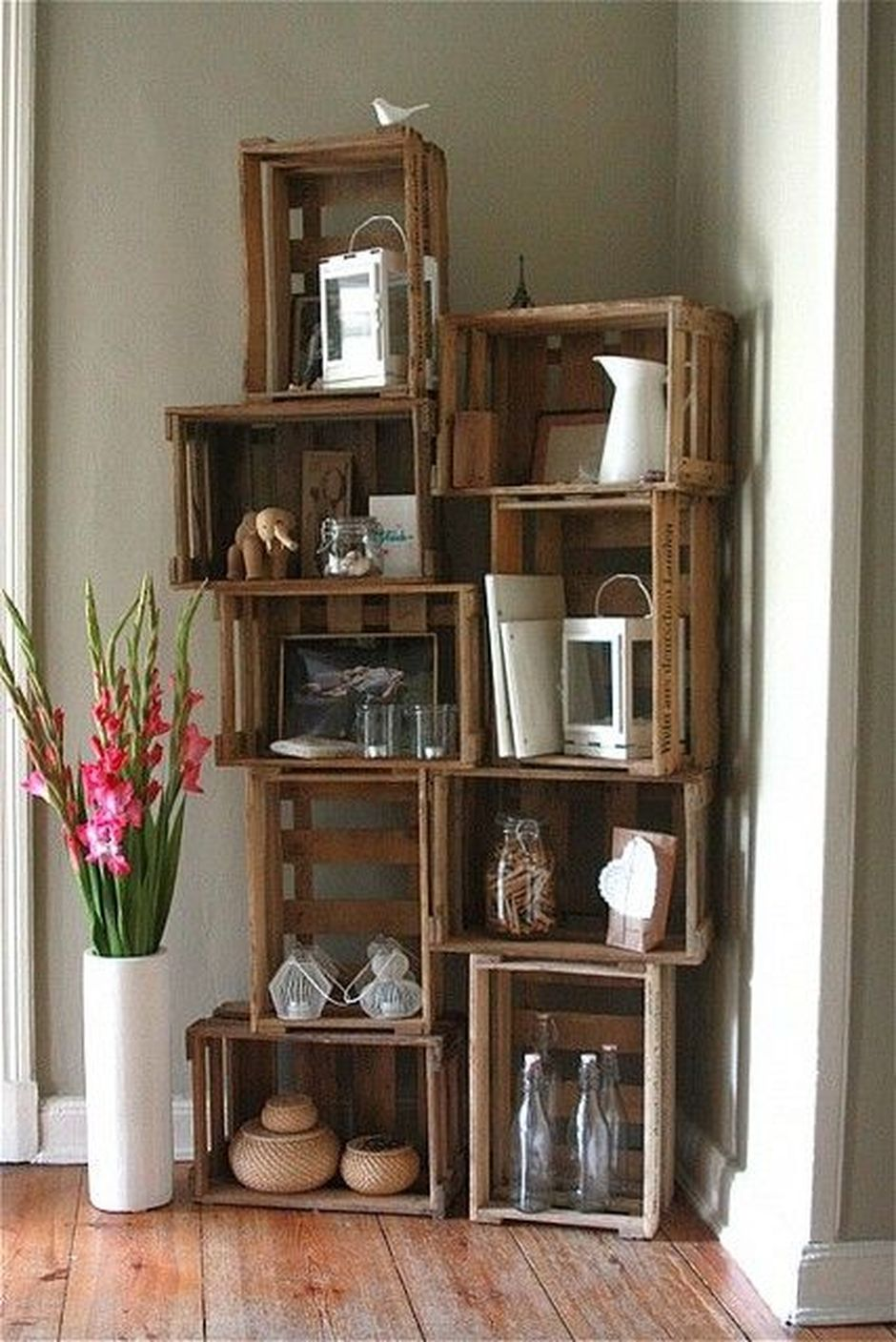 Corner Wall Shelves Design Ideas for Living Room 6