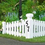 Stunning Creative Fence Ideas for Your Home Yard 9