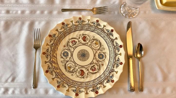 table-setting_t20_roYvwJ
