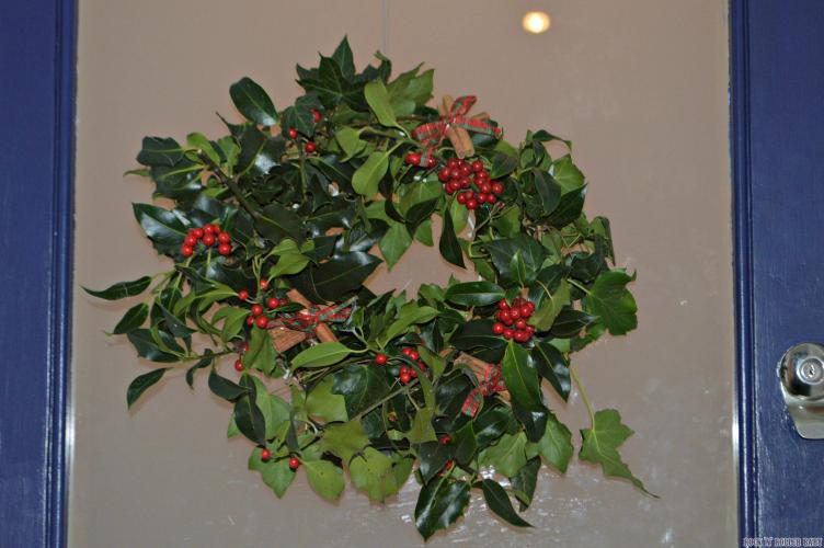 My foraged wreath cost about £2.50 to make and I'm rather proud of myself!