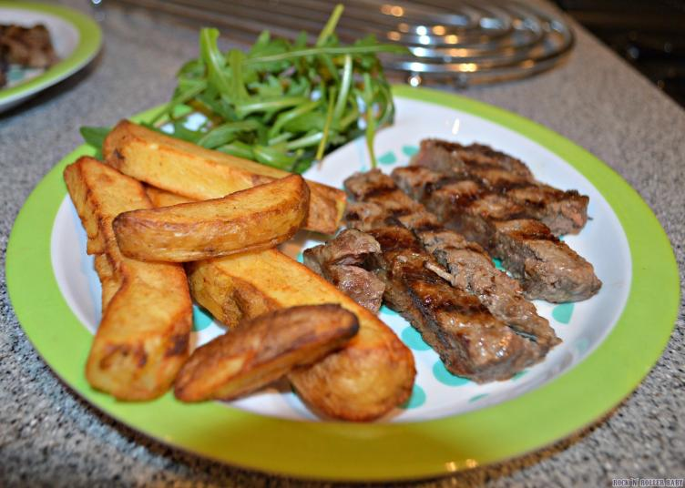 Steak, rustic chips and rocket!