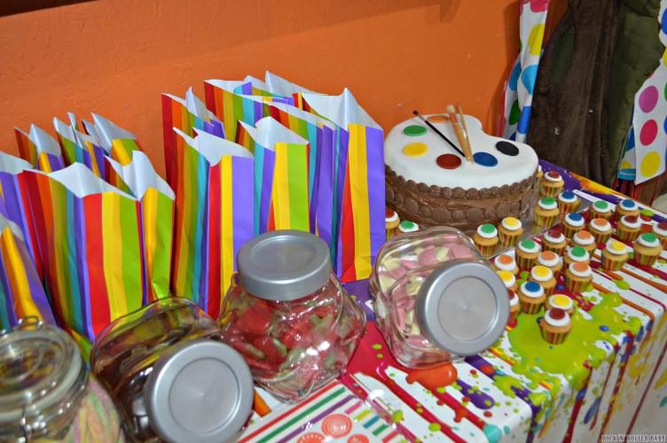 And I couldn't resist a little bit of co-ordination in the goodie bags and sweetie buffet!