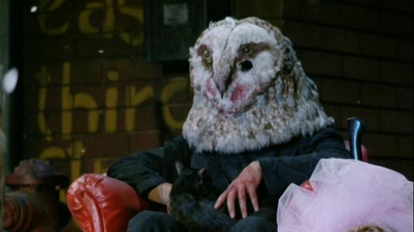 mascaras-horripilantes-filmes-terror_O Pássaro Sangrento