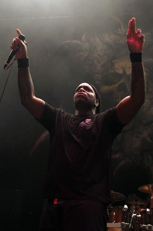 Sepultura abre el concierto de Machine Head en Chile | Fotógrafo: Roberto Vergara