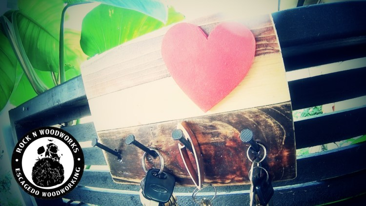How to make a reclaimed wood key holder