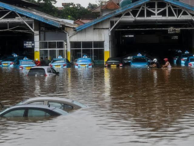 mobil bekas terendam banjir