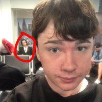 Αυτός ο 21χρονος έβγαλε selfie με τον Nick Cave και μετά ζήτησε από το Twitter να του πουν ποιος είναι