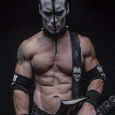 MISFITS Guitarist Doyle Set to Star in DON'T LOOK IN THE BASEMENT Remake – DEATH WARD 13