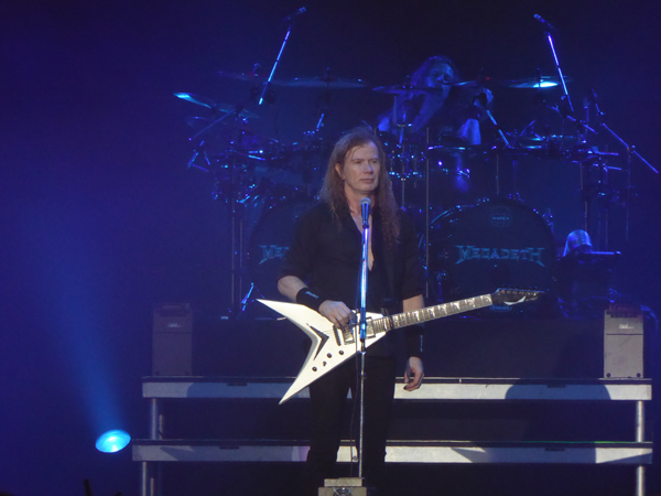 Megadeth's Dave Mustaine and Chris Adler on stage at Wembley Arena November 2015
