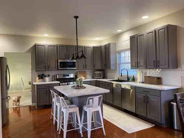 rustoleum cabinet transformations vs paint, the best cabinet paint