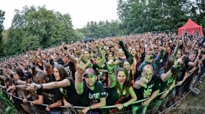 Na warm-up večeru festivalu Rock Heart v Moravském Krumlově byli plné ochozy fanoušků rockové muziky.