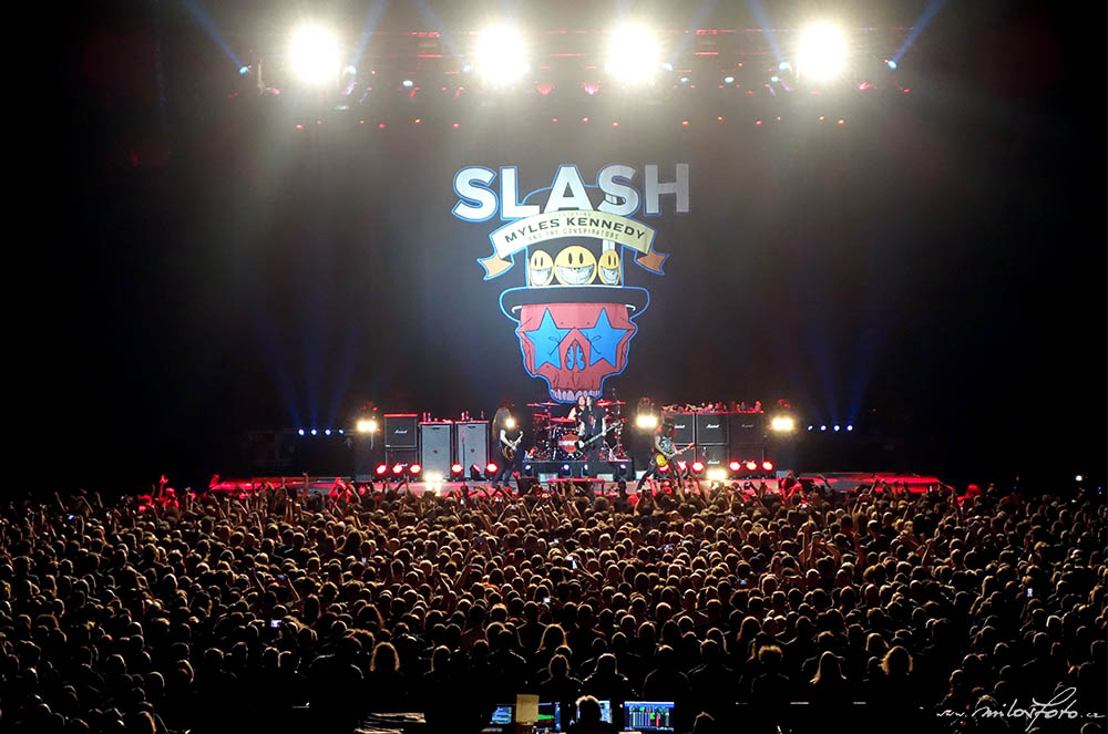 Slash, Myles Kennedy & The Conspirators v O2 Areně 20