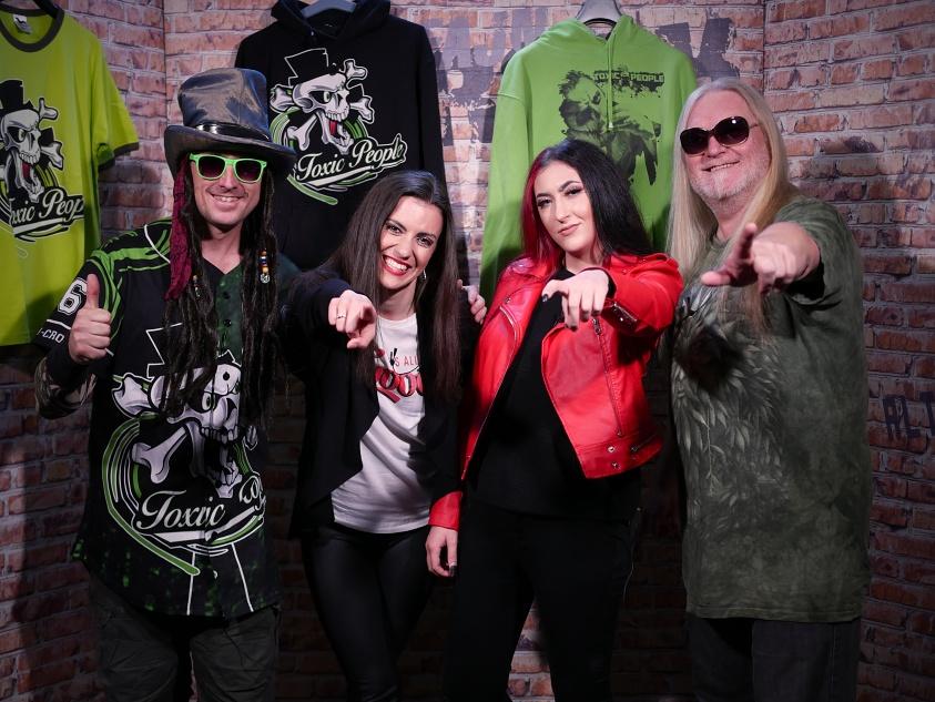 TV Rockparáda, Toxic People
