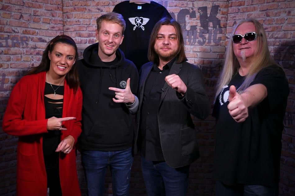 Ready Kirken, Veronika Zelníčková a Kůsofka