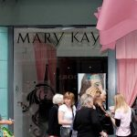 Employers: Treat Every Employee Like a Mary Kay Rep