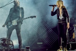 Metric at The Air Canada Centre