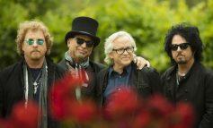 """Toto издават нова компилация през февруари, чуйте неиздаваната до сега песен """"Alone"""""""