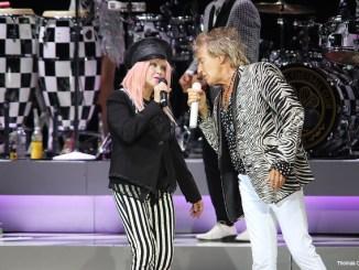 Cyndi Lauper and Sir Rod Stewart