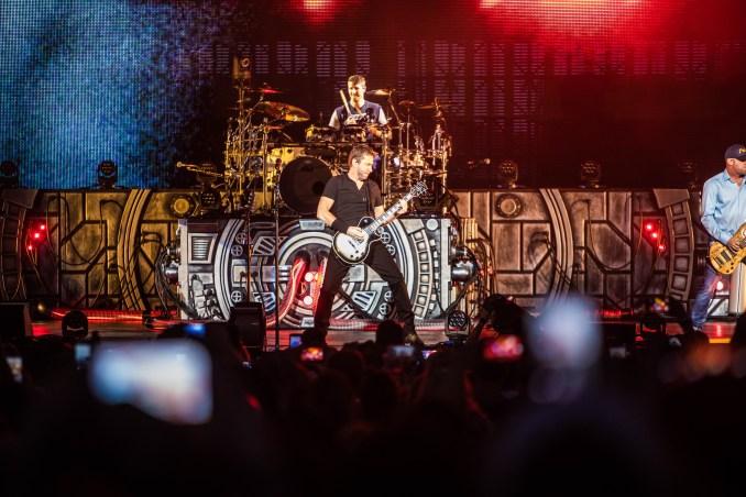 Nickelback on Feed the Machine tour at Darien Lake
