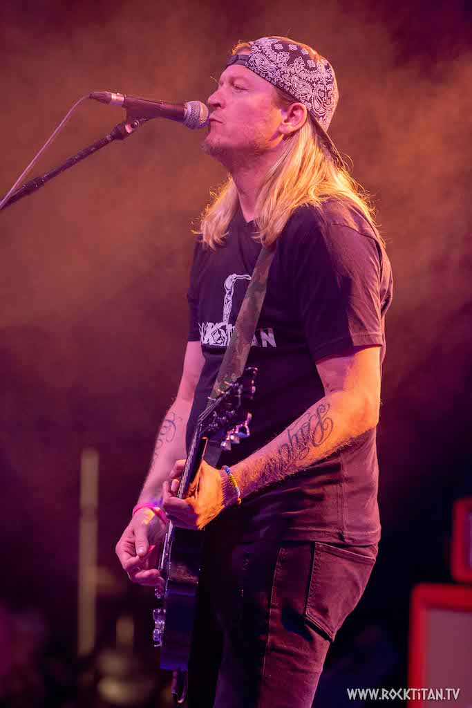 Puddle of Mudd's Wes Scantlin has Come Clean and is under Control!