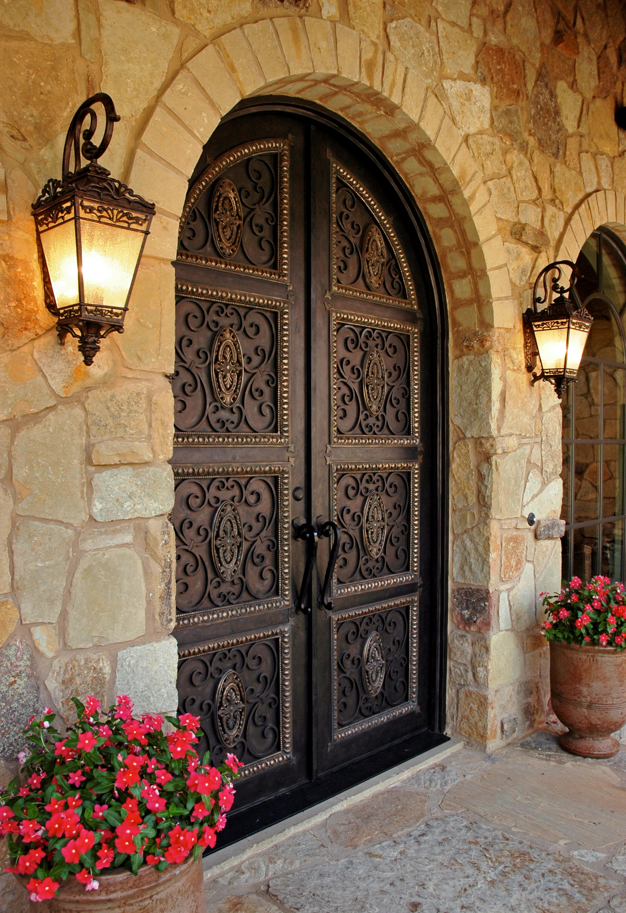 Le Meilleur Grand Doors Makes Grand Entrance In New York New Jersey Ce Mois Ci