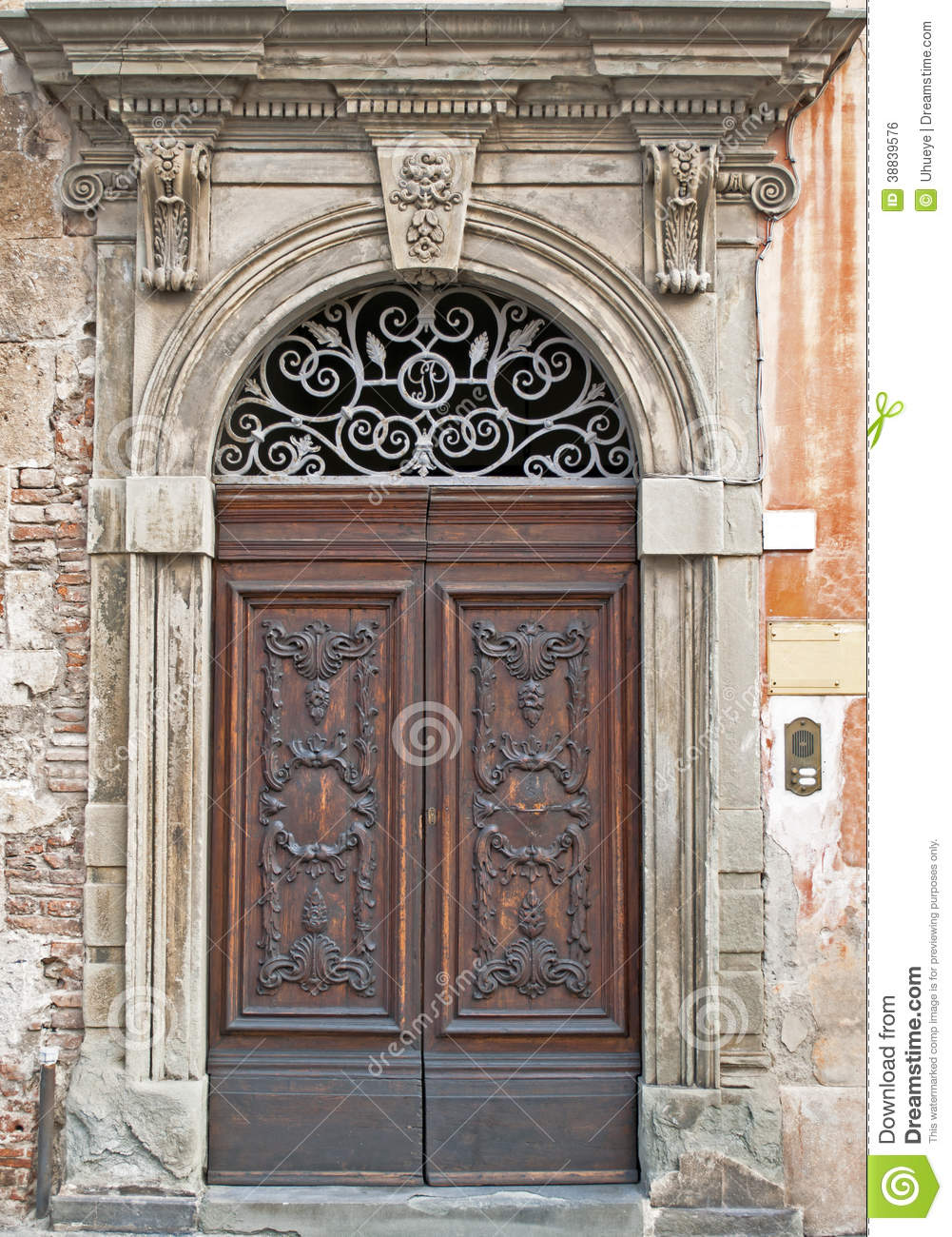 Le Meilleur Very Old Beautiful Door In Italy Stock Photo Image Of Ce Mois Ci