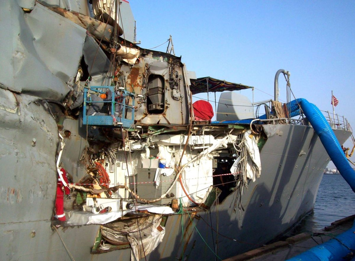Le Meilleur Former Porter Sailor Remembers Collision On Cole Bombing Ce Mois Ci