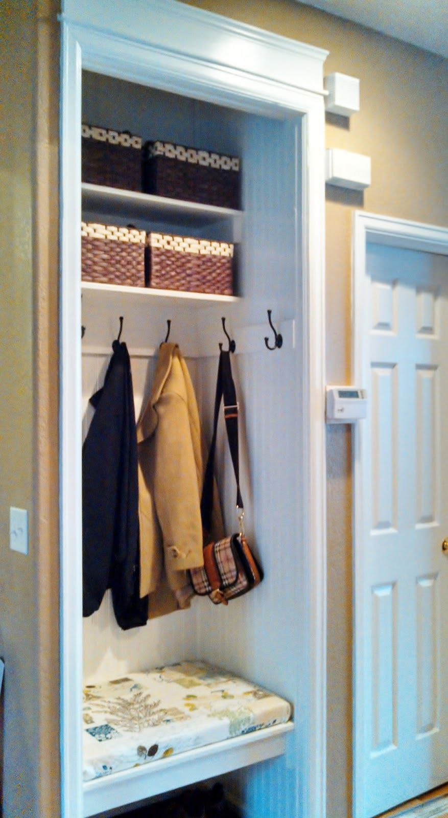 Le Meilleur How To Turn A Small Closet Into A Mudroom Google Search Ce Mois Ci