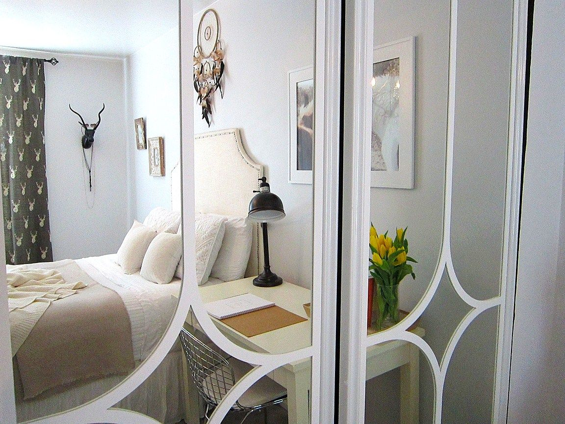 Le Meilleur How To Makeover A Mirrored Closet Door Diy In 2019 For Ce Mois Ci