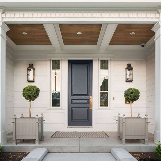 Le Meilleur I Love The Classic Porch Columns And The Charcoal Gray Ce Mois Ci